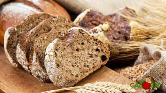 Как использовать старый черствый хлеб в огороде
