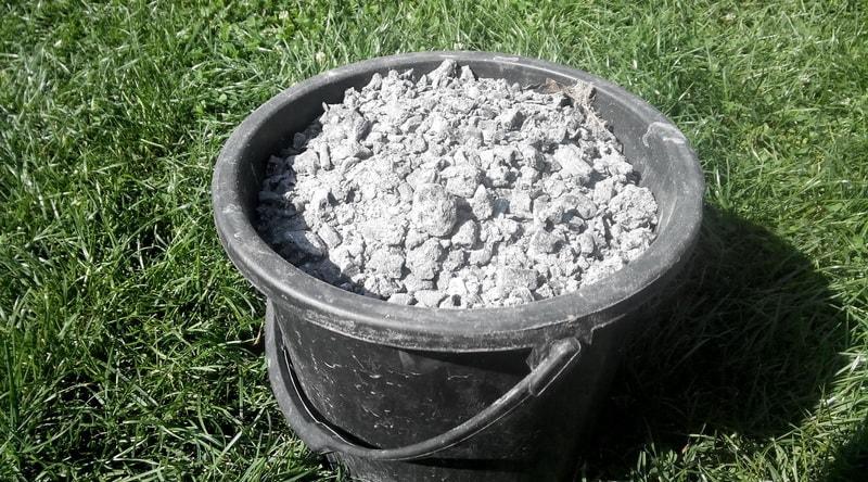 Раскисление почвы золой