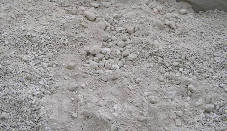 Негашеная известь против муравьев