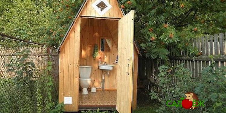 Как убрать запах из дачного туалета народными средствами?
