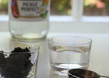 Как определить кислотность почвы с помощью уксуса?
