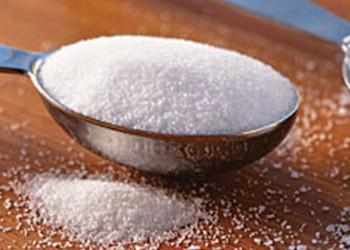 Полезное применение поваренной соли в саду и огороде