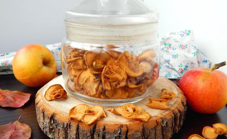 Хранение сушеных яблок в стеклянных банках