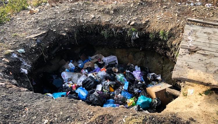 Утилизация мусора на даче