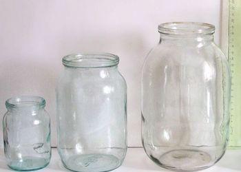 Полезное применение стеклянных банок в огороде