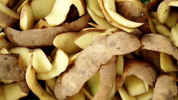 Очистка дымохода картофельными очистками