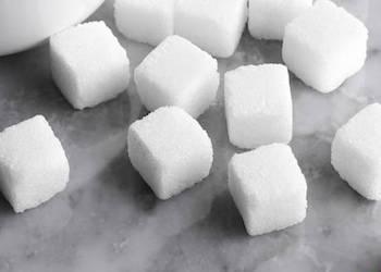 Полезное применение сахара в огороде для растений