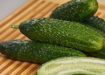 Как сохранить огурцы в холодильнике свежими и хрустящими?